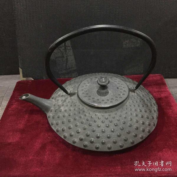 珍珠点铸铁茶壶【品相自鉴】(壶底直径19厘米)