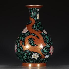 黑地粉彩花卉龙纹玉壶春瓶。