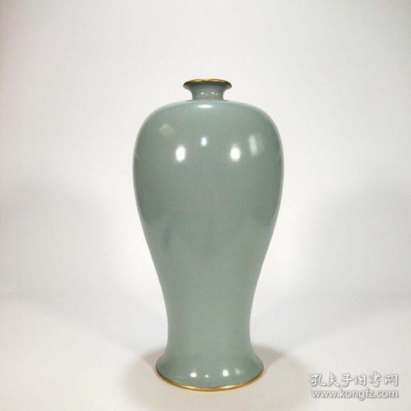 宋汝窑 天青釉梅瓶(镶金釦