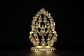 铜鎏金十方佛摆件 尺寸:12.5x5x19.5cm,重744g 摆件呈火焰树状,精铜为材,通体鎏金。树冠为坐,东、西、南、北、东北、东南、西南、西北、上、下十方都各有佛刹,称十方佛刹。整体铸造工艺精湛,工艺细腻,极具收藏价值。