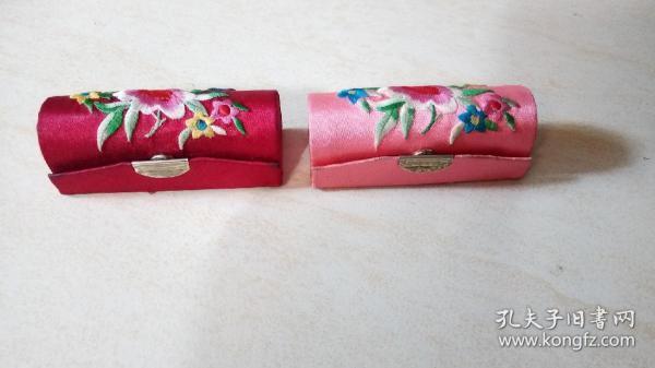 牡丹首饰盒一对(见图)