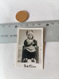 小朋友  椅子  50件以内商品收取一次运费,硬币做参考大小自定。