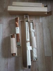 原版日本二玄社和台北故宫博物馆合作限量复制品,册页(还有一套宋画人物楼台界画),手卷(已出完),大画(还有一张仇英仙山楼阁图)。