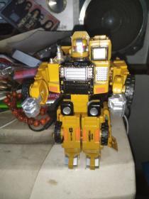 老玩具 变形金刚 应该不缺件   品相如图 FIRE KING  HERO (03) dinba  made in china