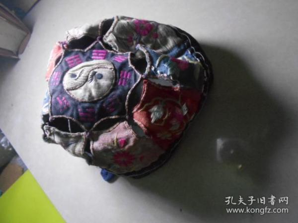 民国手工刺绣儿童帽子