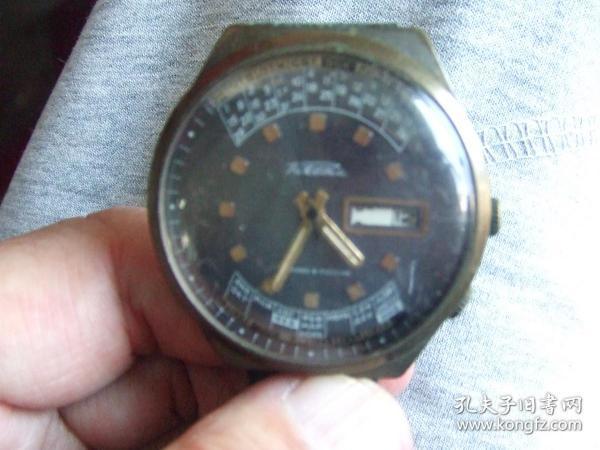 老手表:外国双日历多功能机械表,品牌自鉴