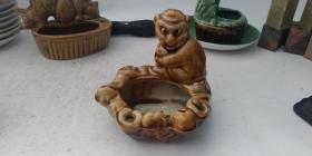 70年代小猴子烟灰缸一只
