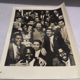 旧照片一张 毛泽东与亚非拉美青年在一起 16X20厘米九品房区