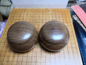 日本原装围棋子 一套 白蛤碁石180枚10.7毫米厚黑那智石 181枚11毫米厚带原装杉木棋笥箱花林棋笥