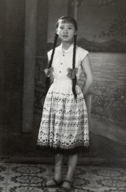 建国后1962年老照片  长辫子姑娘  美丽少女老照片