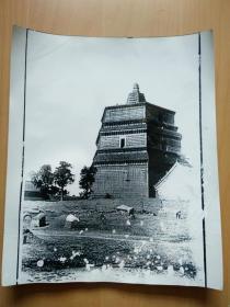 开封繁塔(塔与现在一样,院落现已扩建成旅游景区)