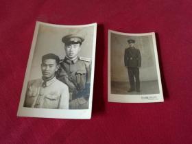 1961年白雪照相馆老照片【穿军装的军官戎装照片】2张合售,10.5*7厘米,8*5.5厘米,实物拍照保真包老