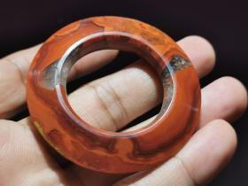 汉代红缟玛瑙环