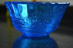 蓝色玻璃小杯