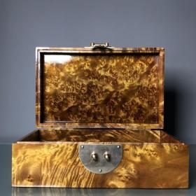 金丝楠木极品满花纹首饰盒 重430克