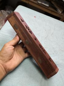木盒子一个 嵌小铜象