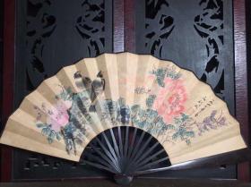 檀木手绘折扇,长33厘米,宽61厘米花鸟诗文