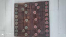 上世纪70-80年代硬木手工雕刻老象棋老包浆带木质象棋盘民俗老物品。