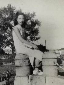 民国旗袍美女照片(外滩公园)