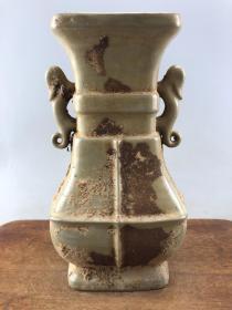 乡下收来的双耳老瓷瓶B3800
