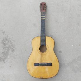 单板古典吉他