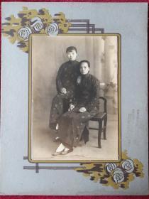 民国旗袍二美照片
