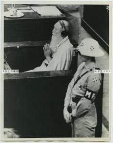 1948年1月远东国际军事法庭在日本东京对第二次世界大战中日本首要甲级战犯的国际大审判,一名日本的佛教法师出庭作证老照片