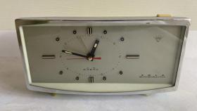 老物件70年代上海钻石四钻晶体管电闹钟道具摆设