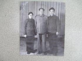 少见的毛主席照片3  尺寸:22厘米*18.5厘米 (背面有粘贴痕迹 非相纸 )