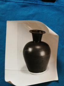 黑色瓷瓶文物照片 尺寸15x12.5厘米