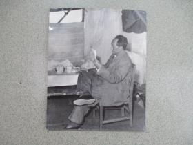 少见的毛主席照片1  尺寸:22.5厘米*18.5厘米 (背面有粘贴痕迹 非相纸)