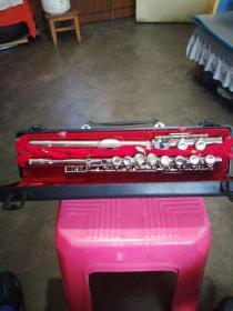 一套 长笛乐器