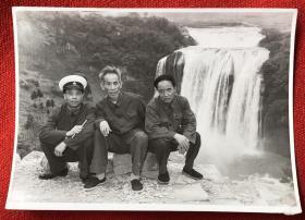 """约80年代初 吴运铎 合影原版老照片一枚 新中国兵器工业的开拓者、新中国第一代工人作家,号称""""中国保尔"""""""