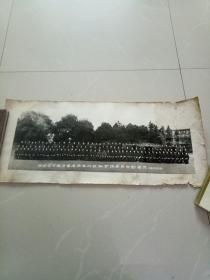 黑白照一一湖南省公安厅首届法医训练班全体学员合影留念(1982年元旦)