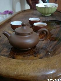 章燕明壶老茶壶一个,自己泡了几年了