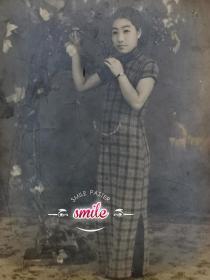 民国大幅旗袍美女(带表)