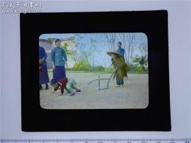 【清末民国老照片 玻璃幻灯片、底片系列之十二: 民国 北京 幼儿园儿童玩耍 上色片】图像清晰,品相较好!