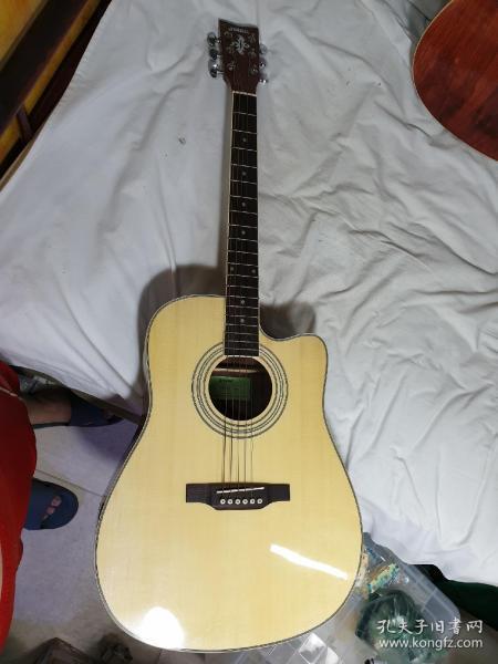 1号,9新,吉他,国产雅马哈,枫木板,400元,限天津自提