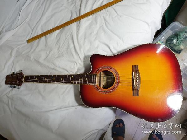 2号,95新,韩国产,吉他,枫木板,400元,限天津自提