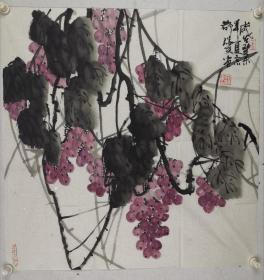 刘瑞友    1951年生,毕业于首都师范大学美术学院。画家,高级职称,国家一级美术师。 现为中国书画印研究院教授,中国书画协会会员、中国书画艺委会员、中国收藏家协会会员、中国扇子艺术学会会员。其绘画作品涉及山水、花卉、禽鸟等,不但题材广泛,而且技艺精湛。他的山水画构图讲究,皴法多变,又不拘泥于传统的表现形式。其代表作《燕山魂》构图更是独具匠心,画面上山水相间,山由石成,山石相抱。清泉石上流,