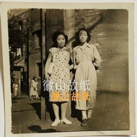 民国老照片:民国美女——上海市立XX学校
