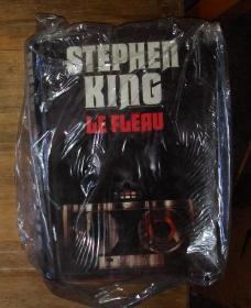 法文原版 Le Fleau by Stephen King  著