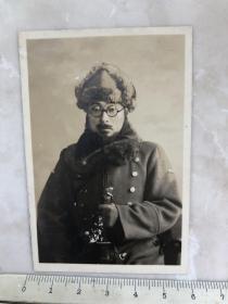 民国时期老照片 拿指挥刀的大胡子日本鬼子军官