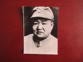 中国共产党英烈---罗炳辉  尺寸:9.3厘米*6.6厘米【背面有简介】