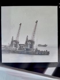 1980前后,安徽画报底片一张:长江上的过江轮渡船
