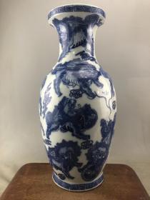 青花麒麟大瓷瓶B3900
