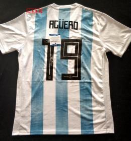 """""""阿KUN"""" 阿奎罗(阿圭罗) 签名阿根廷国家队队服(Adidas) 由三大签名鉴定公司之一Beckett(BAS)提供鉴定"""