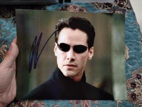 【签名照】基努里维斯 签名《黑客帝国》剧照