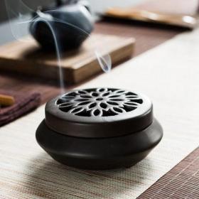 大型瓷器香炉摆件直径12厘米