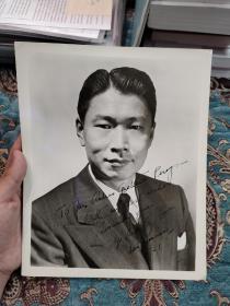 """【签名照】与林语堂、张大千并誉为中国海外华人世界文化三巨星,世界十大歌唱家之一""""斯义桂""""1951年签名老照片"""